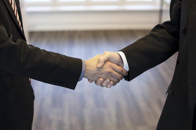 本業と副業が手を取り合う